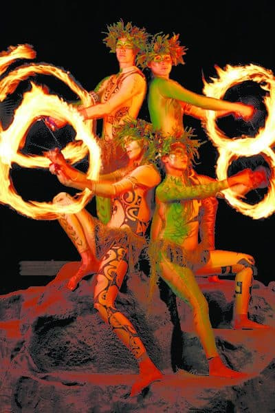 Kauai Luau fire poi dancers