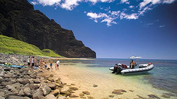 Kauai private boat charter beach landing