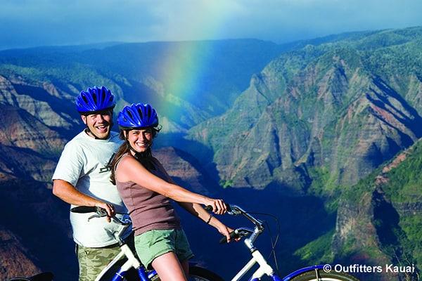 Waimea Canyon Downhill Tour - Couple paused for rainbow photo